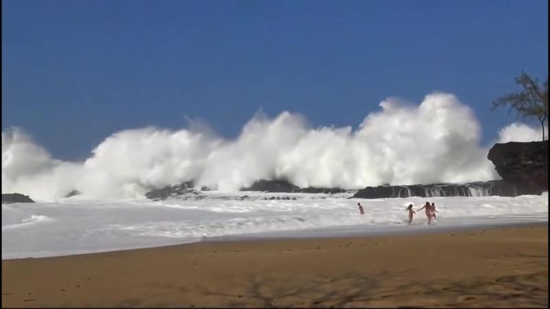 Самые большие неожиданные волны, пойманные на камеру.