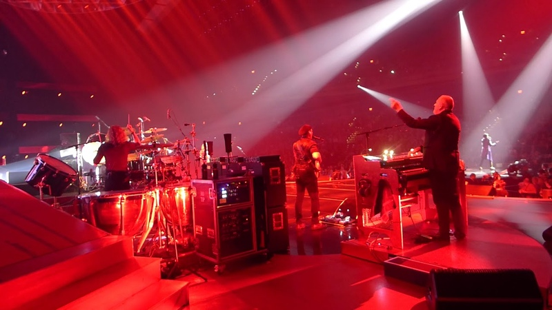 Queen Adam Lambert - Somebode to Love - live On Stage - MGM Park Theater Las Vegas
