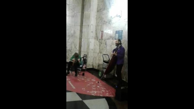 Молодцы ребята, круто играют Московские таланты в метро