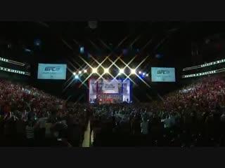 Conor McGregor vs Khabib Nurmagomedov weigh-in_ Conor kicks out, Drake rocks Irish flag _ UFC 229 ( 360 X 640 ).mp4