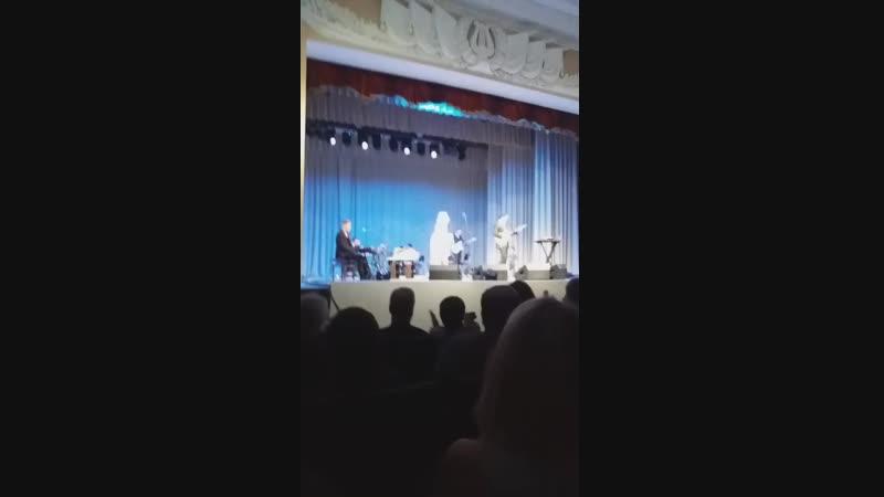 Виктория и Антон Макарские. Песня про Машу.