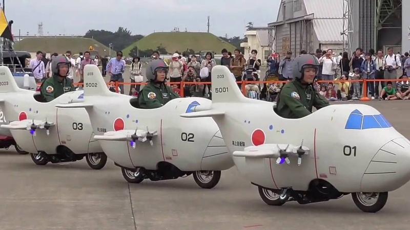 ミニP-3C展示・公演 海上自衛隊下総航空基地 開設56周年記念行事