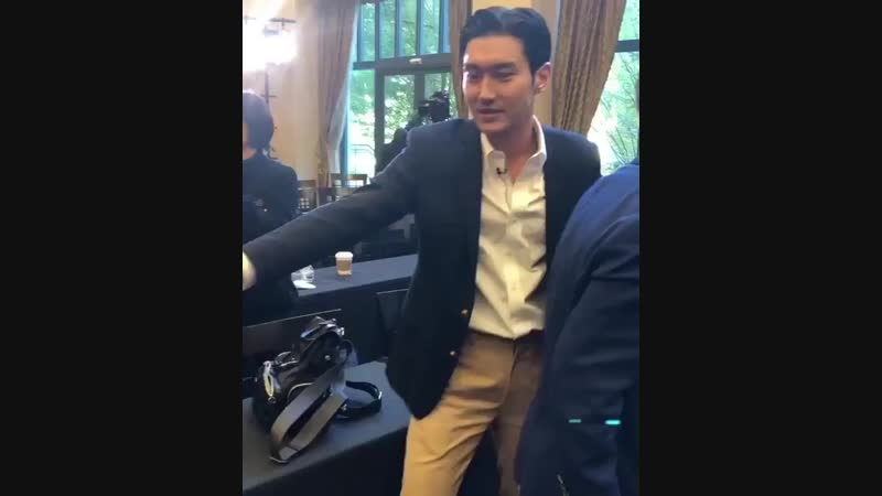 181102 accursedvisage IG at @FSIStanford @siwonchoi 최시원 siwon siwonchoi siwoninstanford choisiwon stanforduniver