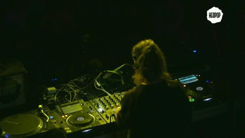 Solar play id-track - Neopop 2018
