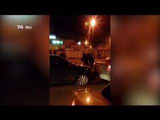 Ряженый полицейский помог избить водителя