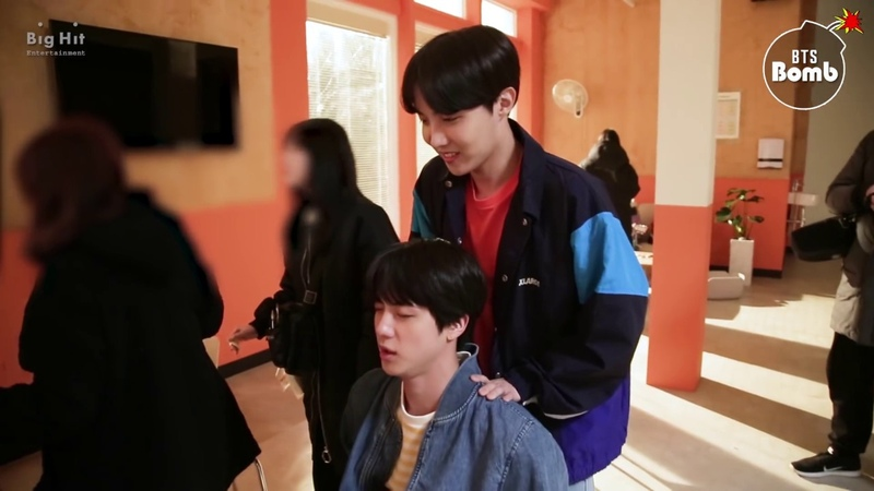 [BANGTAN BOMB] Jin j-hope Massage Time! - BTS (방탄소년단)