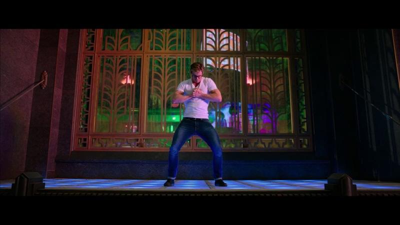 Chris Hemsworth and police dance HD » Freewka.com - Смотреть онлайн в хорощем качестве