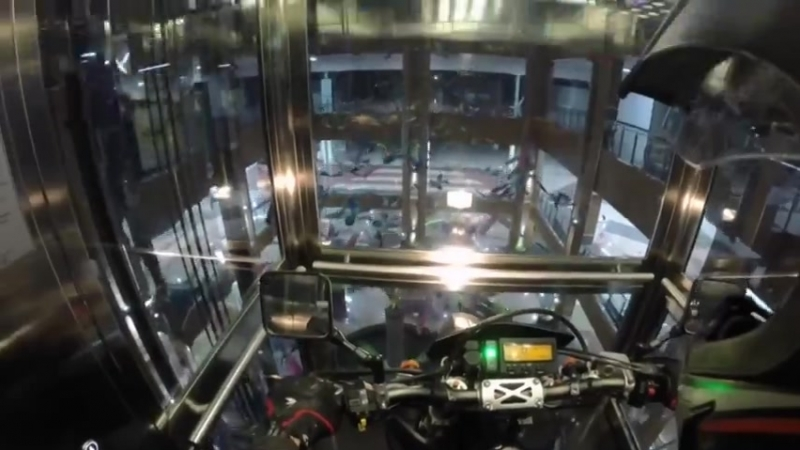 Мото фрирайд внутри ТРЦ Арена в Барнауле (Indoor Moto Freeride)