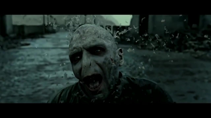 Thanos kills Voldemort by snapping his finger.mp4