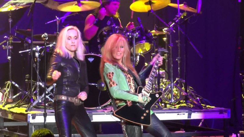 Lita Ford Cherie Currie Queens Of Noise Runaways M3 2014