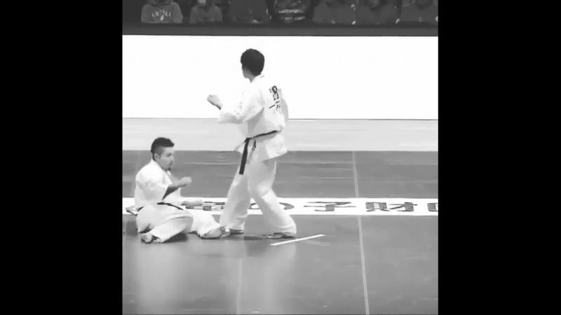Нокаут Хидза Гаммен гери в Кёкусинкай карате. Подготовка бойца. vk.com/oyama_mas