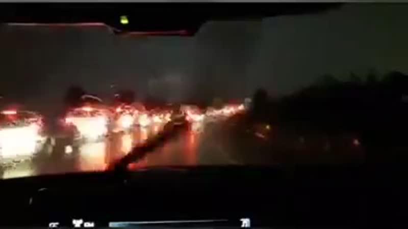 Близкий удар молнии в Барселоне ( Испания, 15.11.2018)