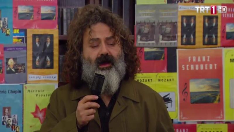 80.lerdeki susmuş ikinci kez konuştu aslında şarkı söyledi..