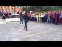Русская девушка танцует лезгинка