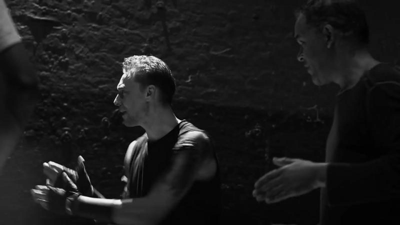 Tom Hiddleston prepares for Coriolanus at Donmar Warehouse.mp4