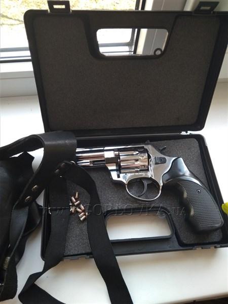 Житель Горловки через социальные сети торгует оружием
