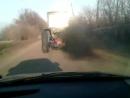Не каждый автомобиль способен догнать трактор Беларусь