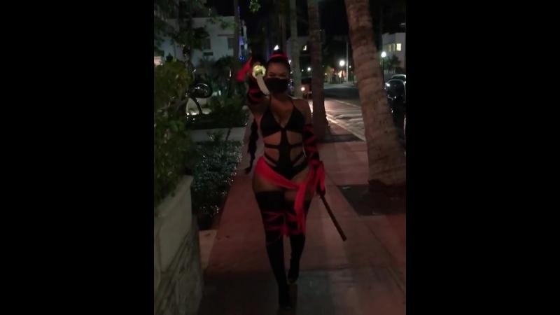 Sexy ass, big ass, sexy legs, sexy ass in mini dress, girls in skirt, porno, sexy walking, girls in street, mini dress, skirt