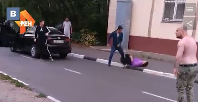 Видео двое мужчин, русские девушки в приватном чате эротическое видео смотреть