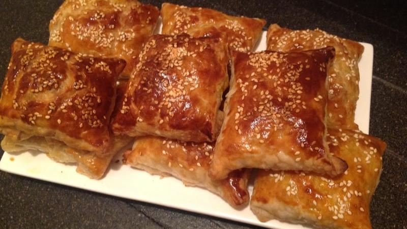 Cлоеные пирожки с мясной начинкой и овощами / Rooti digaag iyo qudaar | chicken pastry