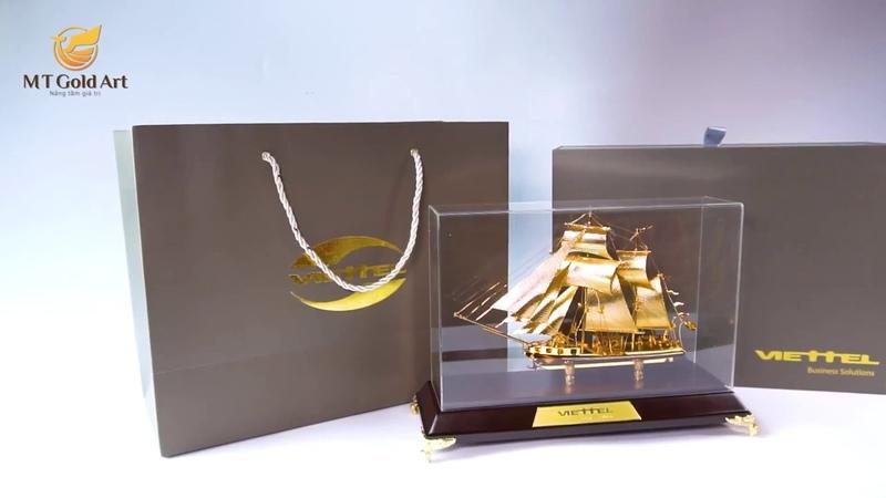 Biểu trưng thuyền buồm mạ vàng mẫu 68 Viettel Business Solutions