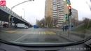 ДТП в Москве. Водитель врезался в маршрутку после столкновения с грузовиком