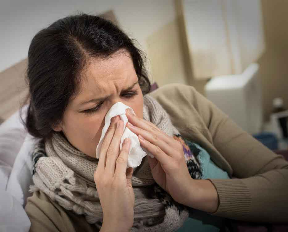 Чихание, насморк или заложенность - все это симптомы простуды.