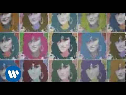 Laura Pausini - Con la musica en la radio (Making of)