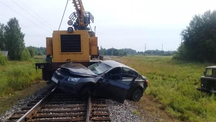 Chevrolet и локомотив столкнулись на ж/д переезде в Асиновском районе