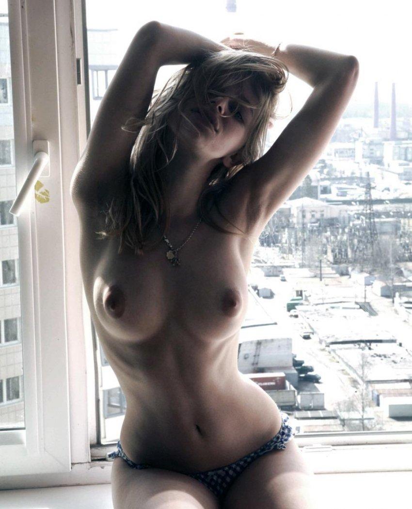 Voyeur wife Donna Andmore on hidden cam