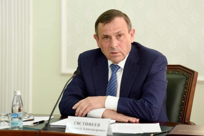 Евстифеев обсудил с силовиками меры по обеспечению правопорядка на территории Марий Эл