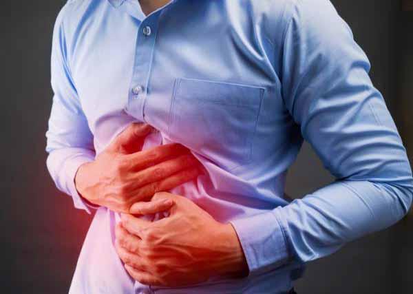 Избыток газа может вызвать боль в животе.