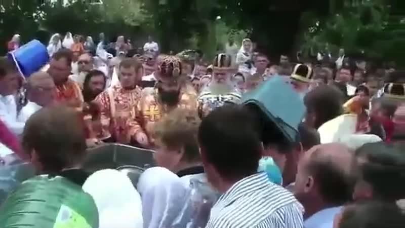 Как освещают воду чернокнижники