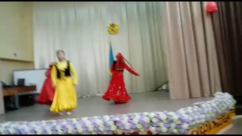1 май уйгур би 💃🏻💃🏻💃🏻