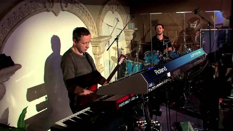 Living Stream Church Worship - Достоен, достоен
