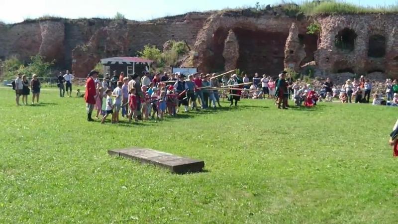 Исторический фестивальСтраж в истоке Невы в крепости Орешек.