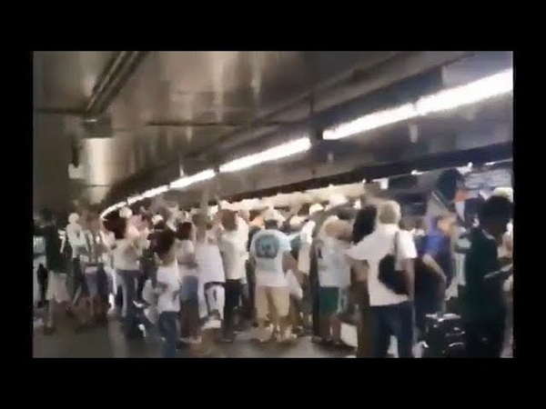 Torcedores do Palmeiras fazem grito homofóbico de apoio a Bolsonaro no metrô