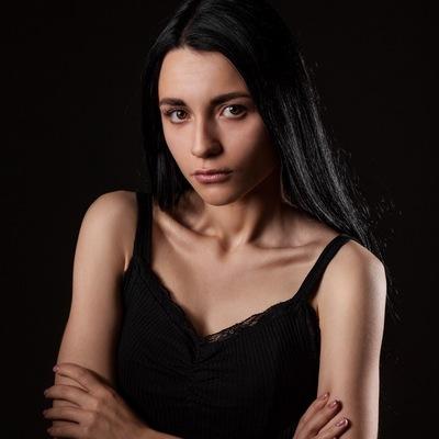 Катя Лебедева