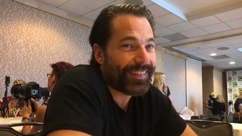 Wynonna Earp Season 3 - Tim Rozon Interview (Comic Con)