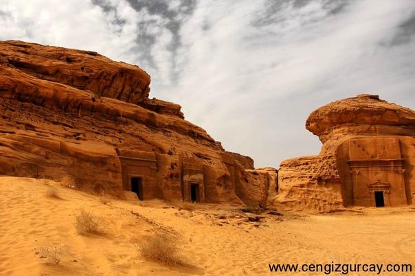 Саудовская Аравия открывает первое туристическое направление Ранее страну могли посещать только бизнесмены и паломники.Саудовская Аравия до сих пор считается одной из самых закрытых стран.