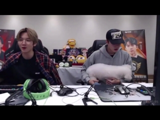 Baekhyun: Vivi gained weight Sehun: Vivi become a pig