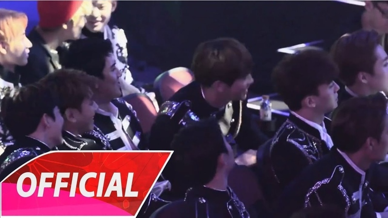 EXO's reaction (엑소) Singto Krist - A Little Happiness V Chart Awards in Macau