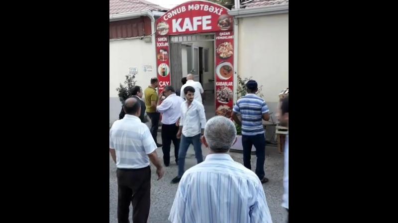 СУЕТА У ТАЛЫШЕЙ В КАФЕ 2018 ИЗБИЛИ РАБОТНИЦУ КАФЕ Азербайджан Azerbaijan Azerbaycan БАКУ BAKU BAKI Карабах