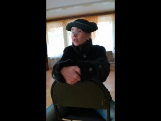 А. Вознесенский Читает Лопатина Е. Г. заведующий отделом обслуживания Центральной библиотеки