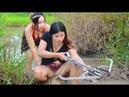 Wow !! Bela Garota Pescando Em Battambang - Khmer Net Fishing - Como Pegar Peixe - Parte 170