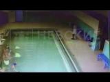 Видео падения кирпичей на детей в бассейне Шлиссельбурга