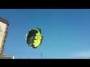 Жесткое видео из Краснодарского края. Парня и девушку ударило током во время катания на парашюте. @tv360ru