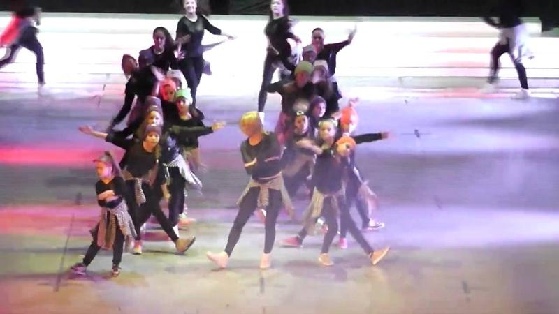 Пятилетие FD 2015 02 22 13 Танец с МА