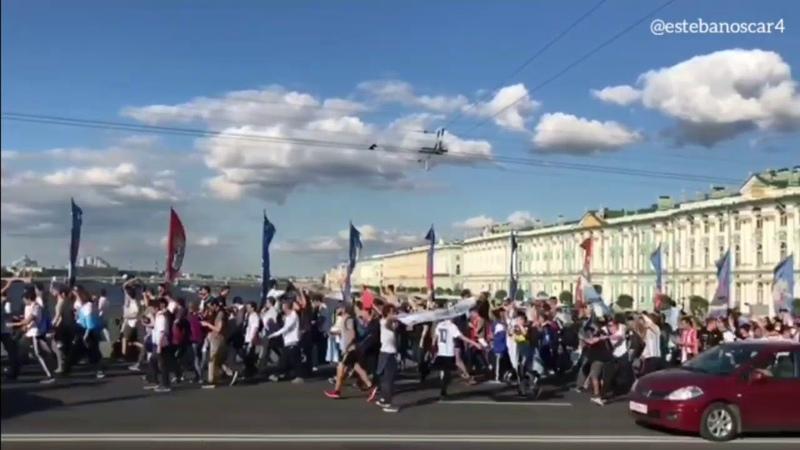 Banderazo Argentino y puteadas a periodistas - RUSIA 2018 ¥