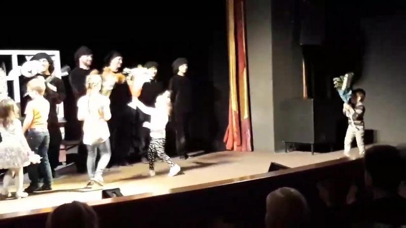 Спектакль Бобик в гостях у Барбоски на гастролях в Белгороде